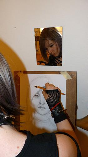 Portré rajzolás tükörből